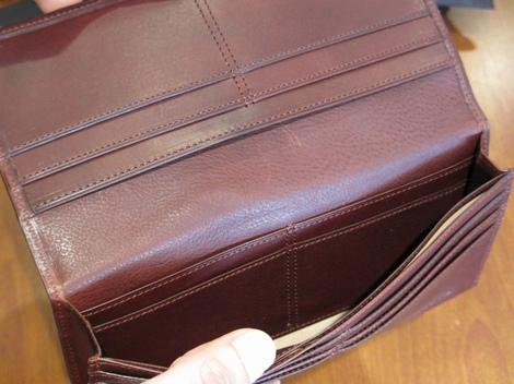 リスシオ 長財布
